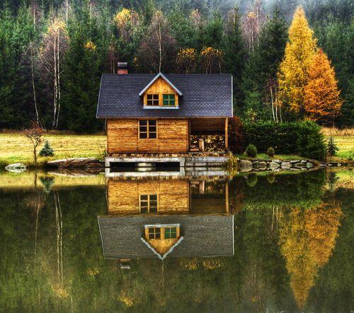 23 maison de personnes qui ont quitt la ville pour s 39 installer au bord d 39 un lac. Black Bedroom Furniture Sets. Home Design Ideas