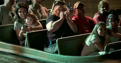 Dans cette attraction de Disneyland s'est passé la chose la plus incroyable jamais filmée