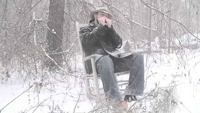 Cet homme joue « Amazing Grace » à l'harmonica. J'ai eu des frissons en l'écoutant