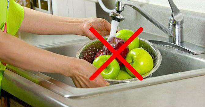Des chercheurs expliquent comment (vraiment) bien laver les pommes