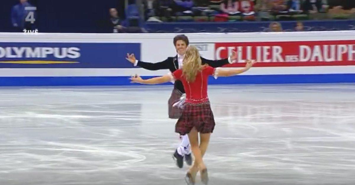 Les frères et sœurs s'affrontent sur la glace. En quelques secondes, ils arrachent le prix de «danse insolite»